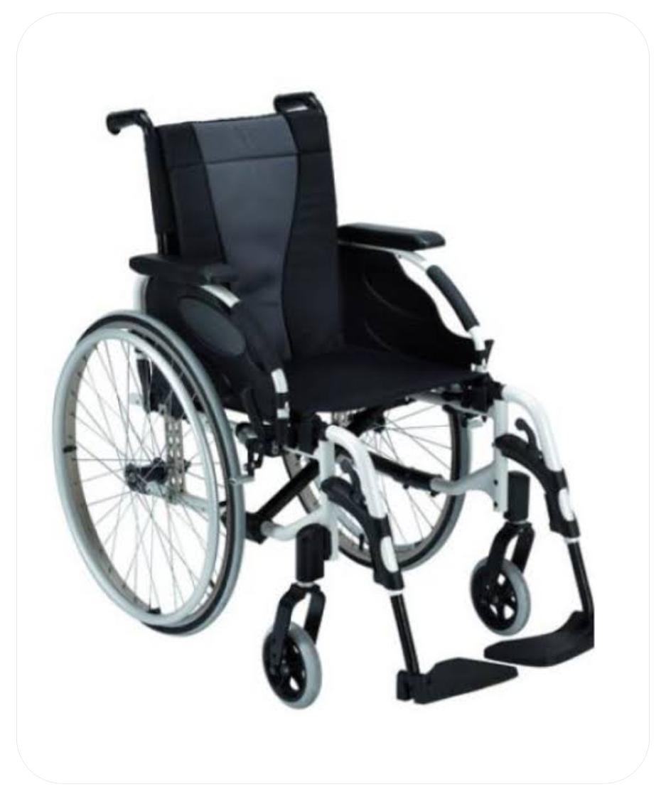 Manual Wheelchair (MW 7)